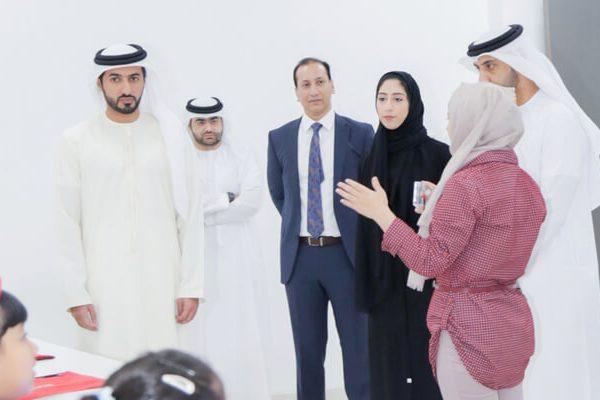 إطلاق المرحلة الخامسة من برنامج المبرمج الاماراتي